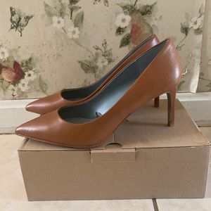NWT Zara Brown Leather Pumps